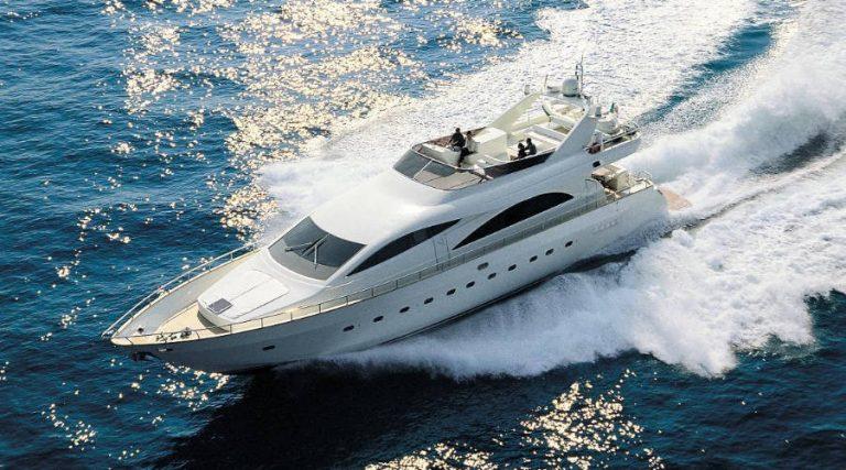 Amer 86 - Yacht